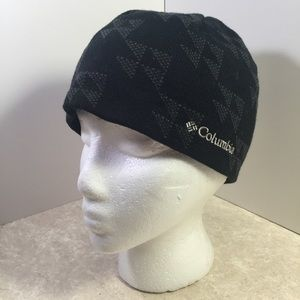 Columbia black and gray patterned knit beanie
